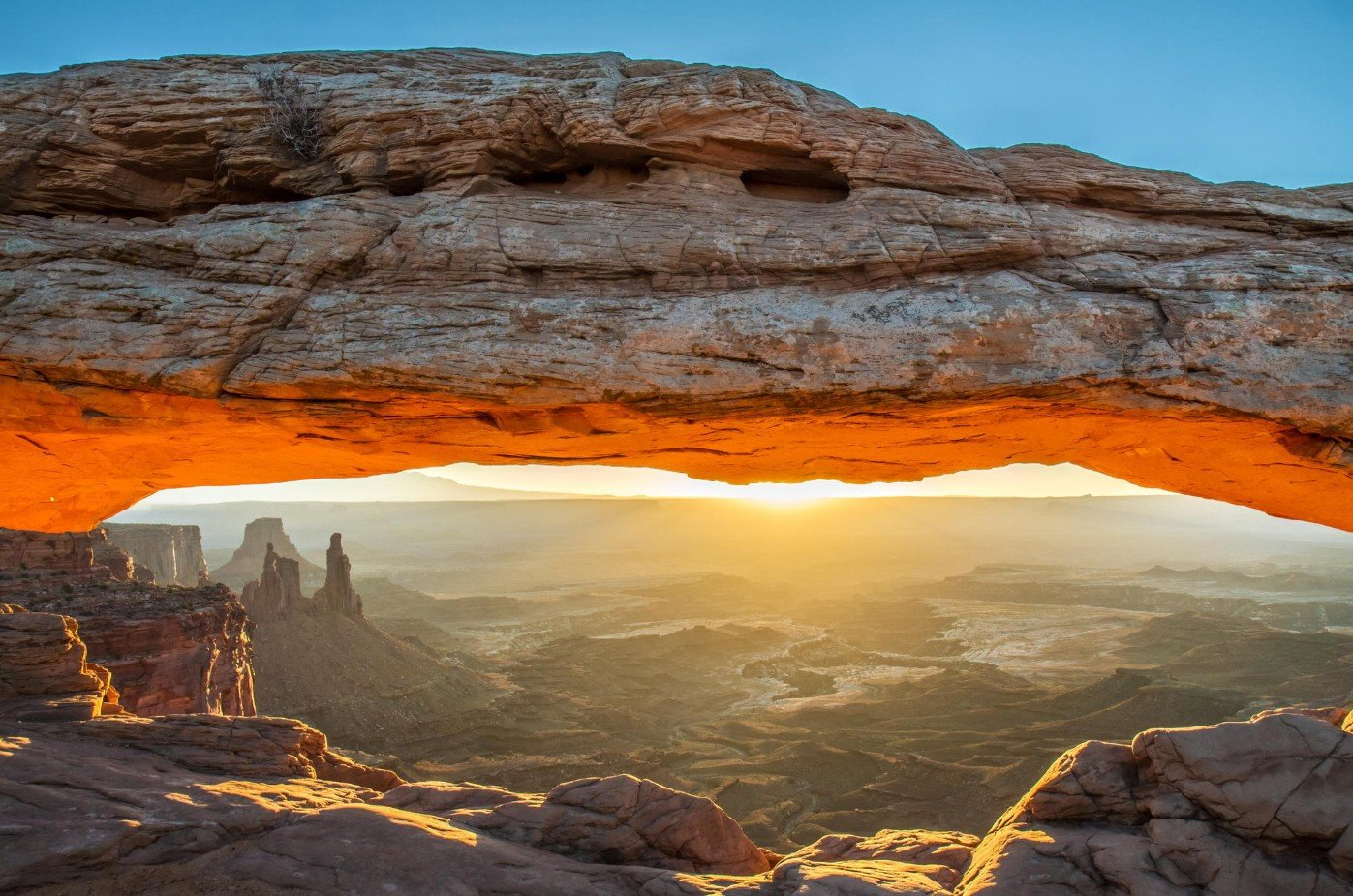2Questions-026389 (Mesa Arch National Park)