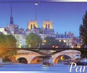 2Questions-025150 (Postcard Paris, France)