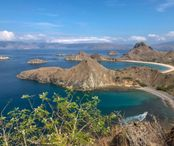 2Questions-029710 (Indonesia-Padar Island)