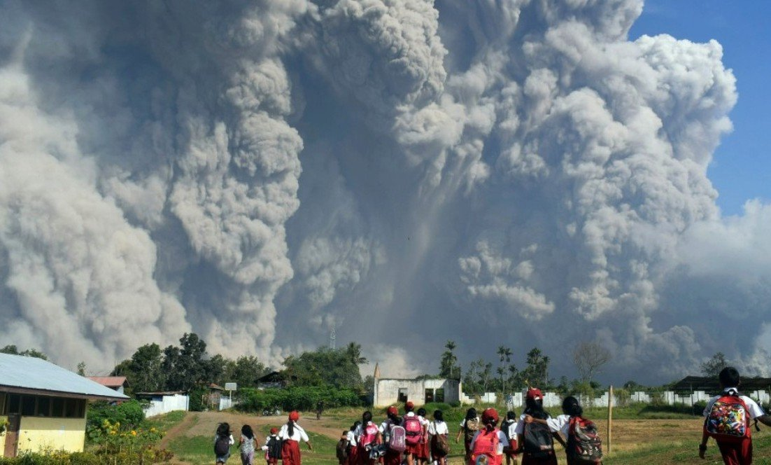 2Questions-017360 (Sumatra Volcano - Indonesia)