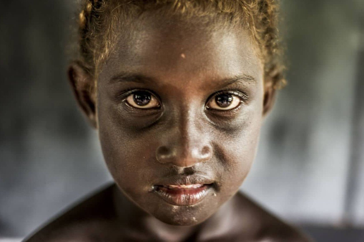2Questions-029176-Solomon-Islands-People