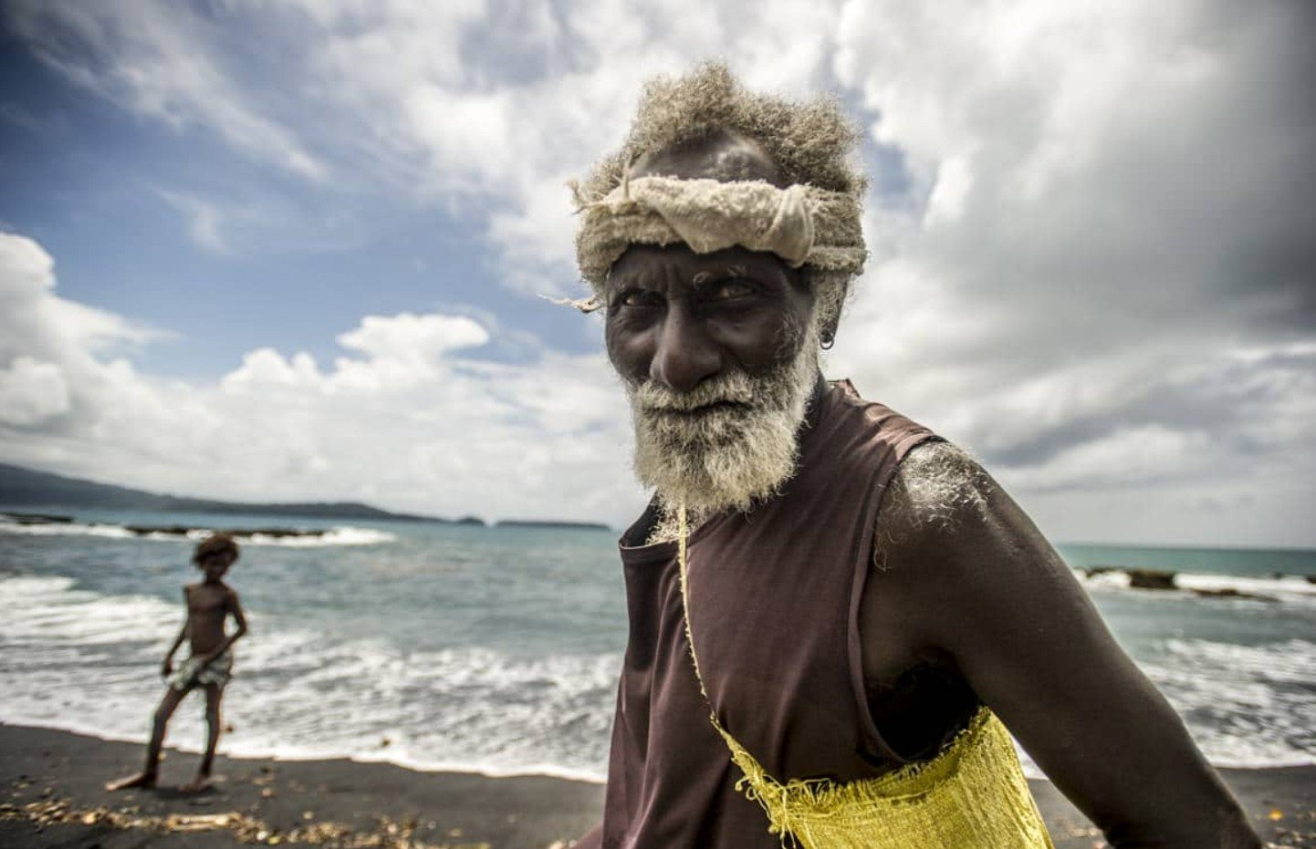 2Questions-029178-Solomon-Islands-People