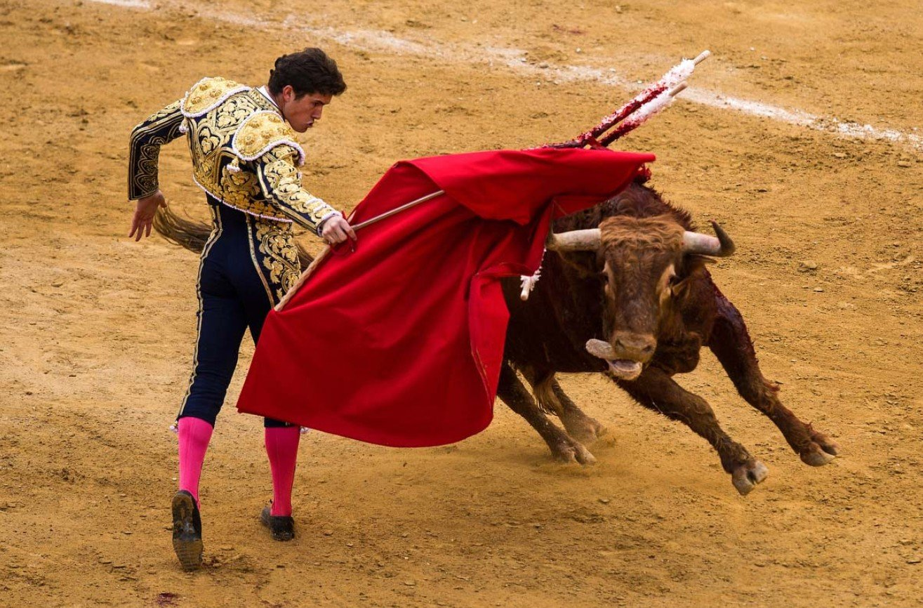 2Questions-029485-Spain-People-Culture