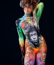 2Questions-034959-People-Bodypainting