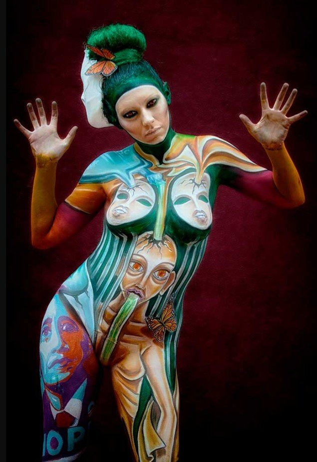 2Questions-034968-People-Bodypainting